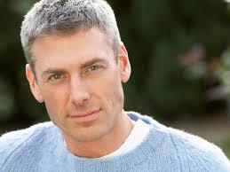 40代の髪型メンズ 白髪でもかっこよくなれる方法を伝授 Hairstyle