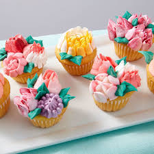 Easy Blooms Flower Piping Tips Set Wilton