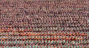 Hanya saja pada pola lantai horizontal beberapa tarian yang menggunakan pola lantai horizontal yaitu tari indang dari sumatera barat dan tari saman dari aceh yang melambangkan. Pola Lantai Tari Saman Dan Maknanya Yang Tersembunyi