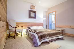 séjour 2 nuits pour 2 à la maison bleue à laval roqueceziere 12