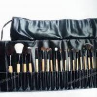 m a c professional m a c makeup brush set 24 pc new 38 95
