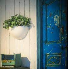 wall mounted fibreglass garden planter