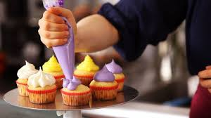 5 Cupcake Icing Techniques Cake Decorating Youtube