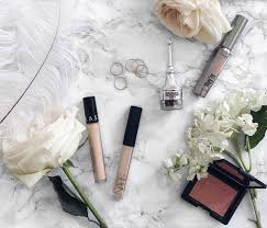 today i m sharing with you my makeup essentials the beauty s that are part of my makeup routine that i can t go a day without except on a
