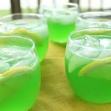 Trisha Yearwood's Green Punch Recipe 2 (.13-ounce) packets unsweetened  Lemon-