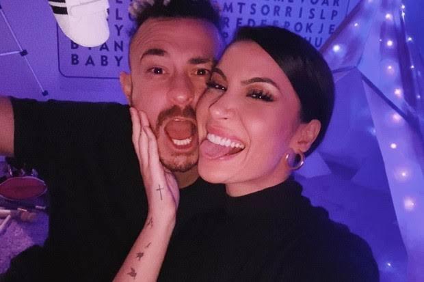 Bianca Andrade e Fred serão pais de menino.