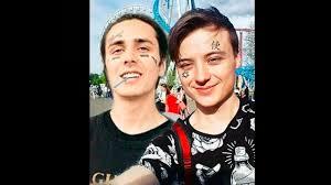 фейс помог ивангаю набить на лице татуировку