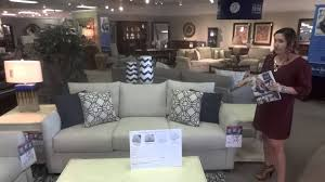 Showroom Living Room Klaussner Trisha Yearwood Living Room Atlanta Sofa Hudsons