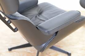 Eames Chair With Ottoman Eames Lounge Chair With Ottoman By Charles Ray Eames For Vitra
