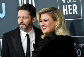 Kelly Clarkson Claims Her Ex-Husband ...