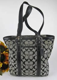 Coach Signature Hamptons Lunch Tote Shoulder Hand Bag Black   White F12645