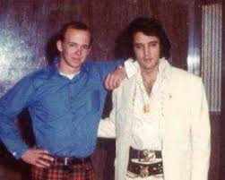 December 25, 1970 ~ Elvis and Byron Coleman at Memphis City Jail at 3am. |  Cantores
