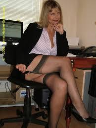 Mature ladies stockings and suspenders