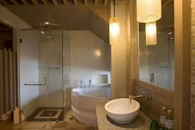 Design Bagno Piccolo : Specchi da bagno leroy merlin progettazione bagni piccolo spazio
