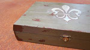 jewelry box detail
