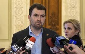 """Câinele"""" Drulă anunţă că va desfiinţa o celebră agenţie """"călcată"""" de DNA   Epoch Times România"""