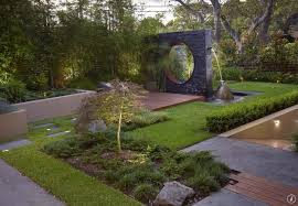 54 interesting backyard sculpture ideas