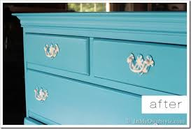 Drawer pulls after thumb