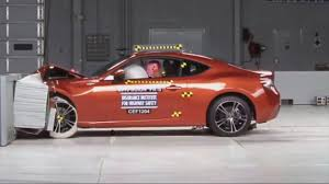 Toyota GT-86, Scion FR-S, Subaru BRZ - crash test - YouTube