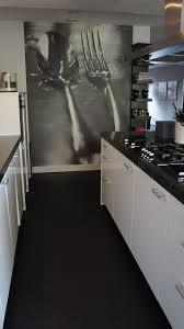 Troffel Vloer In Keuken Dekkend Zwart Art In 2019 Keuken Behang