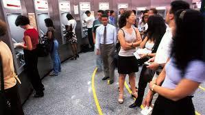 Resultado de imagem para fotos agencia bancário
