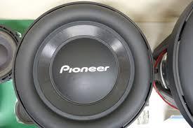 pioneer z series speakers. pioneer uses aramid fibers in the subwoofer cones of z and d series speakers, which keeps sound booming while reducing weight. speakers
