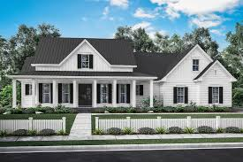Farmhouse Style House Plan 40 Beds 4040 Baths 4040840 SqFt Plan 440040 Impressive 3 Bedrooms For Sale Set Plans