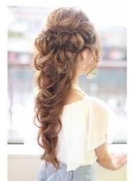 Модные укладки могут быть украшены с использованием диадемы, или. Pricheski Na Vypusknoj 2017 9 Klass Hair Fresh