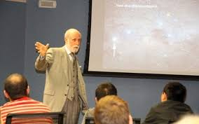 vint cerf speaking at is t round table
