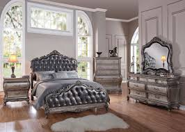 Acme Chantelle Bedroom Set with Button Tufted Panels in Antique