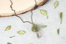 diy crystal moss pendant