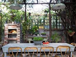 15 Outdoor Spaces for Entertaining