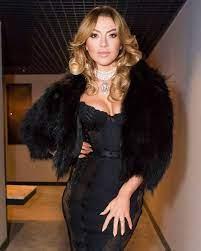 hadise #sıfırtolerans #agentprovocateur #peachydress #nightdress   Gatsby  fashion, Fashion, Night dress