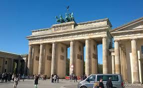 気になるベルリンの歴史、ベルリンの壁散策午前観光(観光ガイド付)-マイバスヨーロッパ公式サイト