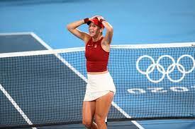 Roger Federer Sends Wishes to Belinda ...