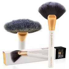 amazon top selling pro fan makeup brush on amazon professional makeup artist approved perfect for powder blush highlighting and contouring