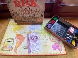 Es una estupenda manera de introducir a los niños al juego de mesa estratégico clásico; Risk Anos 80 De Segunda Mano Por 90 En Madrid En Wallapop