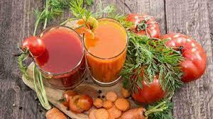 Langkah awal satukan wortel, tomat dan tape singkong, lalu blender sampai halus. Segarnya Jus Tomat Wortel Yang Kaya Serat Dan Nutrisi Lezzat Id
