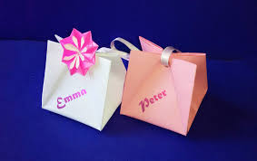 Gift Bag With Handles Easy To Do Gift Wrap Ideas For Valentine S