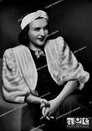 Pola Negri Actress 01 May 1930, Stock Photo, Picture And Rights Managed  Image. Pic. MEV-12048179 | agefotostock