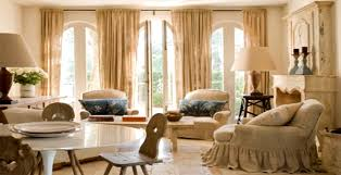Having tall windows makes an impressive statement in your home, but  thinking of ways to dress them can be daunting. Take a look at these 5 tall  window ...