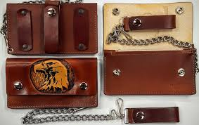 these are eagle embossed 100 leather wallets made in the usa