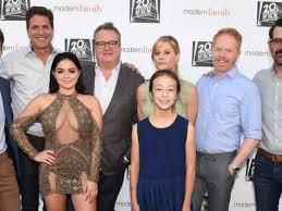 modern family cast share emotional