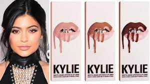 Kylie Jenner Debuts NEW Lip Kit - Sells ...