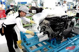 the making of the lexus lfa supercar who what where and most of engine and transaxle are connected by a torque tube for a balance of lightness and durability