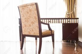 Holz Tisch Und Stuhl Für Die Arbeit Dekoration Innen Im Schlafzimmer