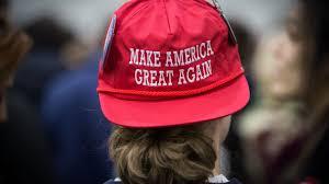 Резултат с изображение за Тръмп с червена шапка Да направим Америка отново велика