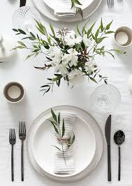 Kitchen Table Setting 5 Tips To Set A Simple And Modern Tablescape Receptions