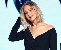 Jennifer Lawrence New Hair Style jennifer lawrence has long hair and we cant wait to steal her 8997 by stevesalt.us