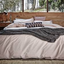 Patterned Bedding Cool Decorating